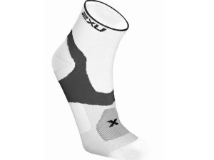 2XU_Racing_Cycle_VECTR_Qtr_Sock_WHT_BLK